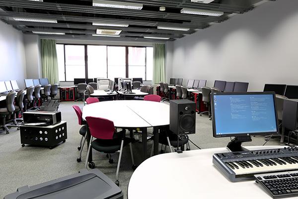 メディア演習室1
