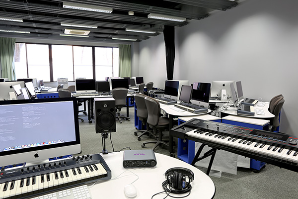 メディア演習室2